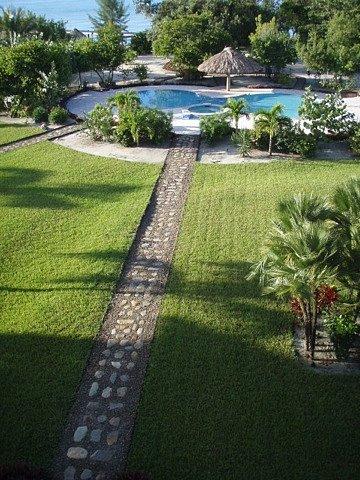 VAC-Pool-january-2011.jpg